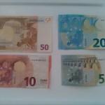 スペインにお金はどれくらい必要?足りない時の下ろし方!
